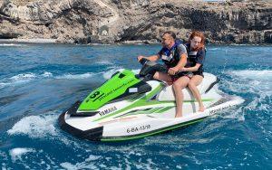 Alquilar 1 moto de agua con tu licencia en Tenerife y con acompañante gratis